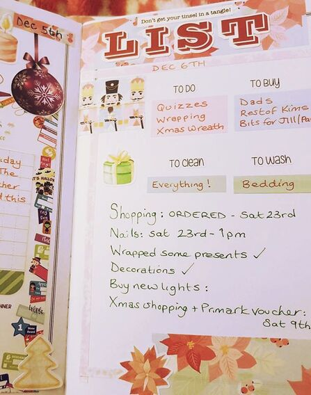 Flip through of my Christmas Planner in particular the December Daily pages. - Kerrymay._.Makes